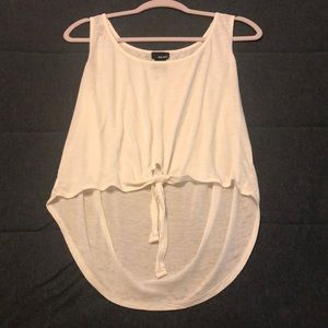 Cute and simple tank top.